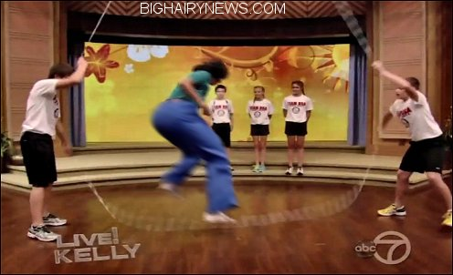 Michelle Obama jumping rope
