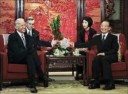 Biden and Hu Jinto