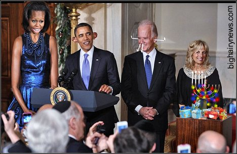 Obamas and Bidens do Hanukkah