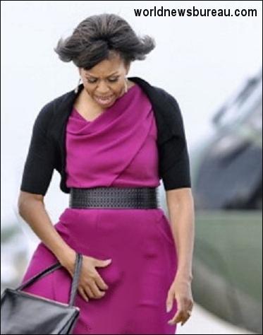 Michell Obama scratching her balls